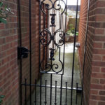 Single gate installed in Wistow